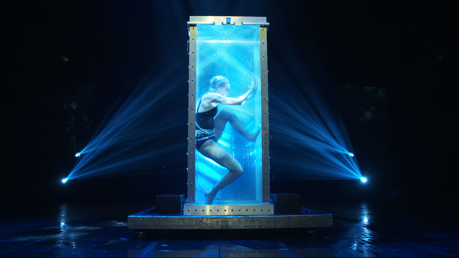 Creative Design Agency In Los Angeles For Now You See Me Live With Illusionist Sabine Van Diemen